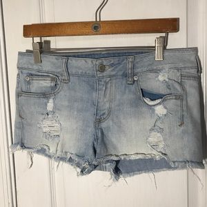 American Eagle Festival Shortie Light Wash Size 10